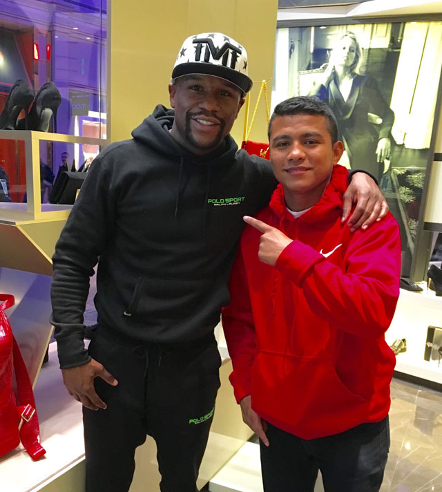 Floyd Mayweather and Roman Chocolatito Gonzalez meet